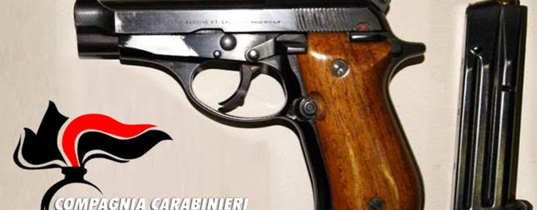 In giro con pistola carica e pronta a sparare, arrestato pregiudicato del Vallo Lauro