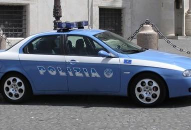 Autostrada Grottaminarda-Benevento, Polizia insegue 4 rom a bordo di un'auto che termina fuori strada
