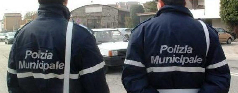 La Polizia Municipale trova auto rubata e la riconsegna al proprietario