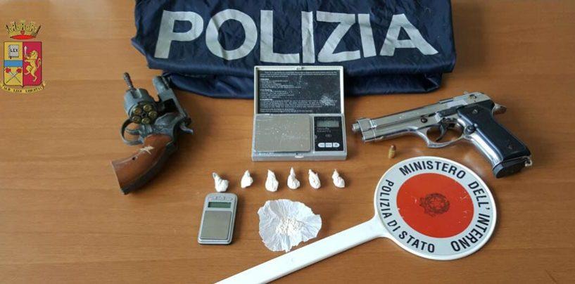 Spaccio di coca e possesso illegale di pistola: arrestato ad Avellino