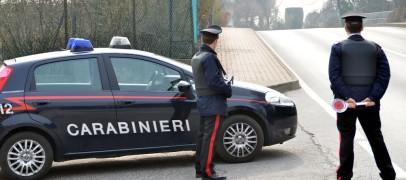 Ariano – Non si fermano al posto di blocco: carabiniere investito da un'auto in fuga