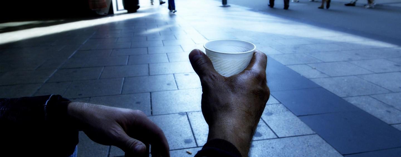 Livelli di povertà in Italia: 7 italiani su 100 sono poveri, la metà vive al Sud