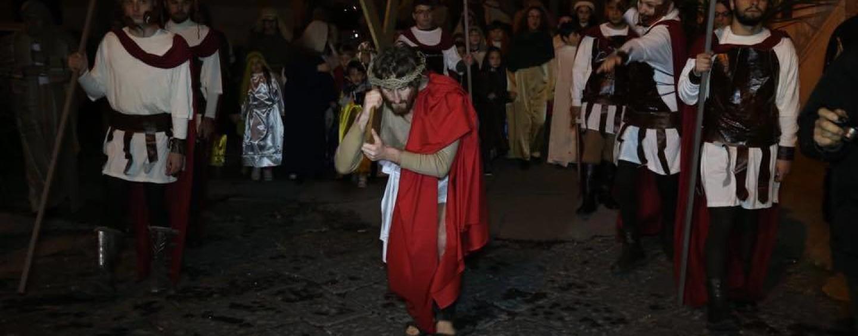 Speciale Via Crucis – Mugnano del Cardinale, D'Appolito e Corbisiero nelle vesti del Gesù dei Misteri