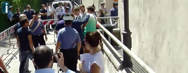 """Tragedia Bus – """"Vergognati assassino"""", i parenti delle vittime contro Lametta"""