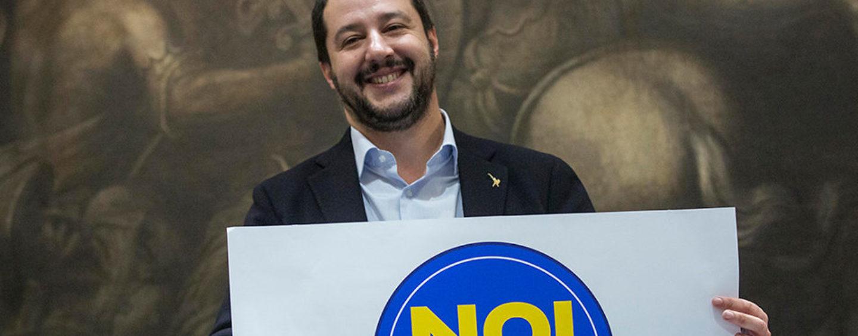 Caos a Napoli per il comizio di Matteo Salvini: tensione in città