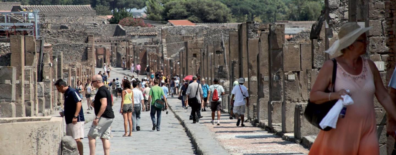 Musei italiani, è record di visitatori. Campania seconda grazie a Pompei e Reggia di Caserta