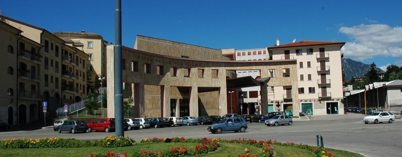 Teatro Gesualdo, chiusa la prima fase della liquidazione. Sono già 50 le istanze presentate