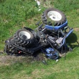 Si ribalta con il trattore: muore 52enne di Solofra