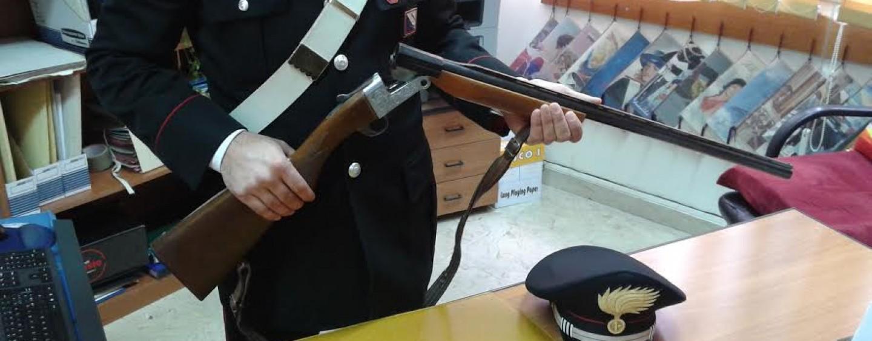 Detiene illegalmente un fucile, nei guai 70enne