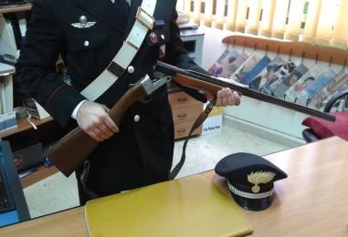 Sorpreso con fucile e munizioni, nei guai un 65enne di Atripalda