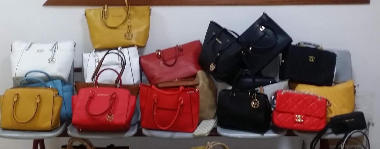 Avellino, carabinieri sequestrano oltre 1000 tarocchi tra borse, scarpe e dvd