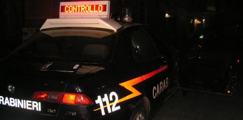 Forino, aggredisce i Carabinieri che intervengono e sparano: extracomunitario ferito