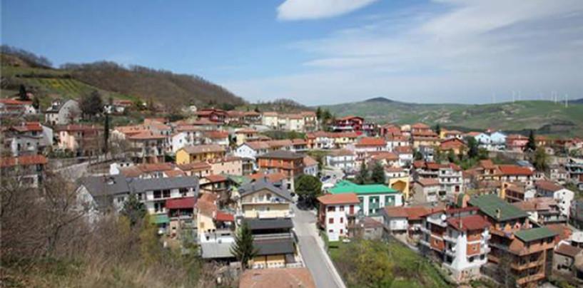 Vallesaccarda, occupazione abusiva di alloggi: due persone nei guai