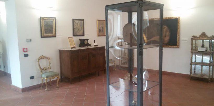 Le opere del maestro Leone donate al Museo Civico di Villa Amendola