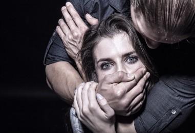 Picchia la moglie a seguito dell'ennesima lite, bloccato dai Carabinieri
