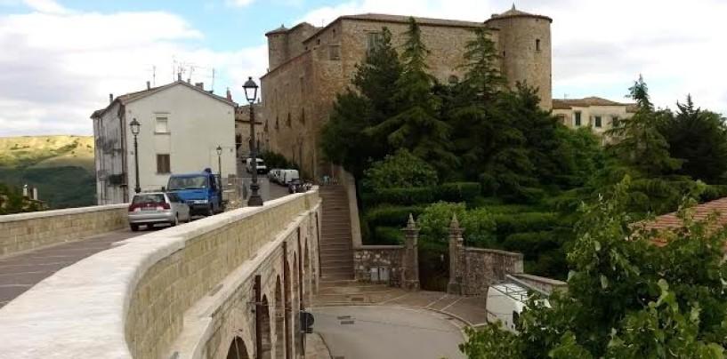 """""""Aperti per Voi"""", visite guidate in giro per la Campania. Spicca il Castello di Zungoli"""