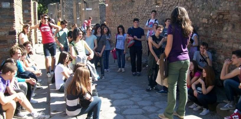 Regione Campania, contributi alle scuole per i viaggi d'istruzione