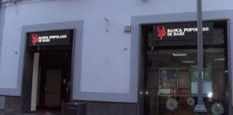 Fanno esplodere il bancomat ma il piano fallisce, tentato furto alla Banca popolare di Bari