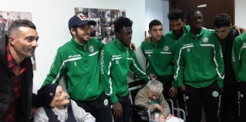 """Lupi al fianco degli anziani, Gonzalez: """"Hanno bisogno del nostro sorriso"""""""
