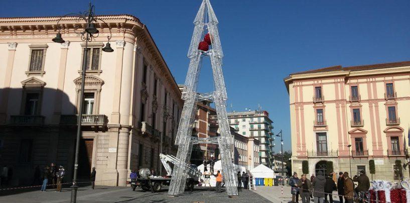 """Aiuta la Ricerca, c'è più Gusto: in Piazza Libertà brilla la """"stella"""" della solidarietà"""