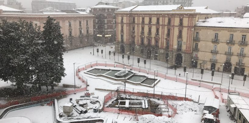Scuole Avellino, la decisione del sindaco Paolo Foti