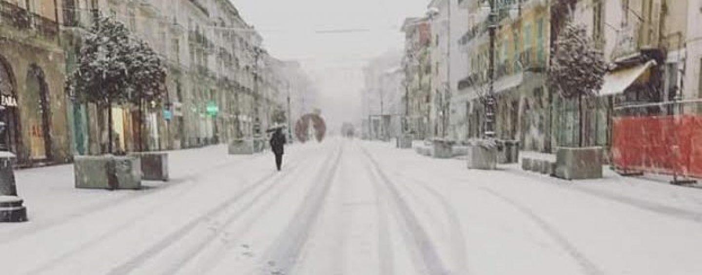Temperature in picchiata, nuova allerta meteo della Protezione Civile: torna la neve in Irpinia
