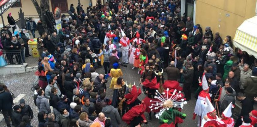 FOTO/ Bagno di folla a Montemarano per il Carnevale 2017