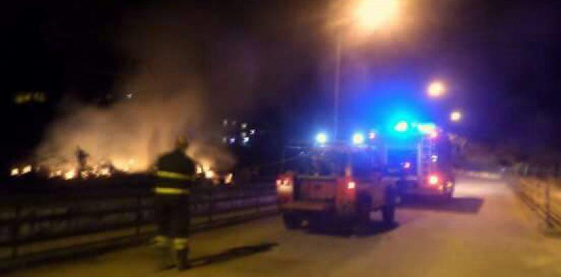 Arpaise, incendio in un terreno poco distante dal centro abitato