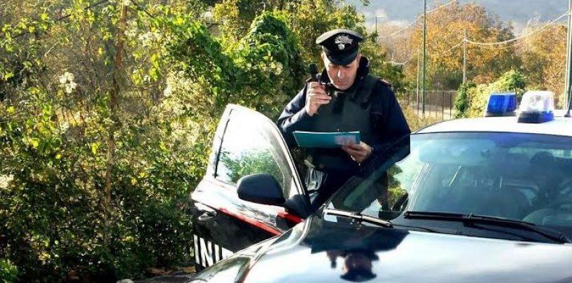 Sorpreso con un manganello in auto: denunciato 23enne