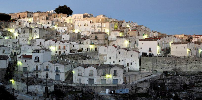 "FOTO/ ""Rotolando verso Sud"", da Santa Maria di Siponto a Monte Sant'Angelo"