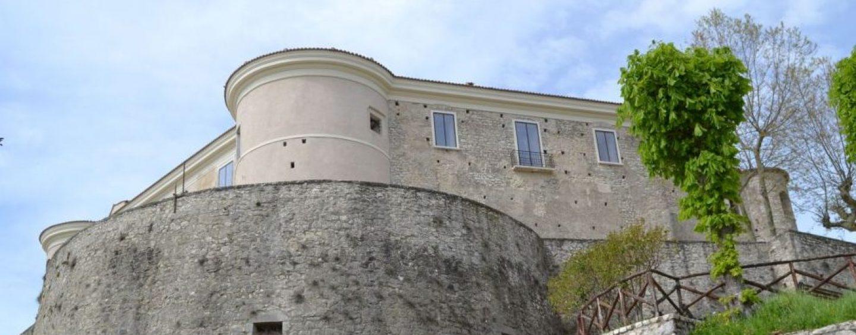 Al castello di Gesualdo va in scena l'Irpinia delle Idee
