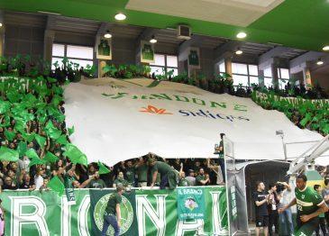 GALLERY/ La Sidigas si prende il derby contro Caserta: festa al Del Mauro