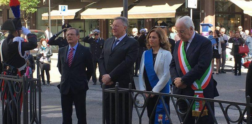 """FOTO/ Avellino celebra il 25 Aprile, Lengua: """"Buona festa della Liberazione"""""""