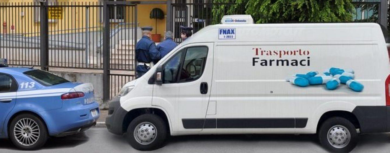 Trasportano droga in un furgone per farmaci, fermati i due pusher