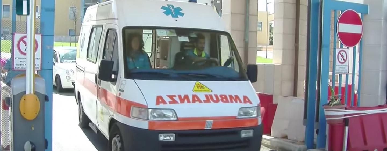 Avellino: si butta dal terzo piano, muore 72enne