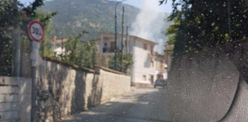Rogo di rifiuti nella notte a Serino, intervento straordinario di Guardia Forestale e VVF