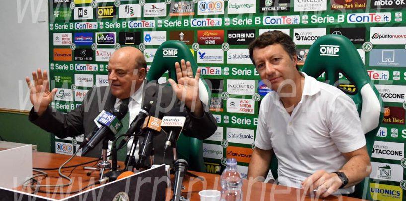 Taccone, scherzetto a De Cesare: il Calcio Avellino lascia il Partenio-Lombardi