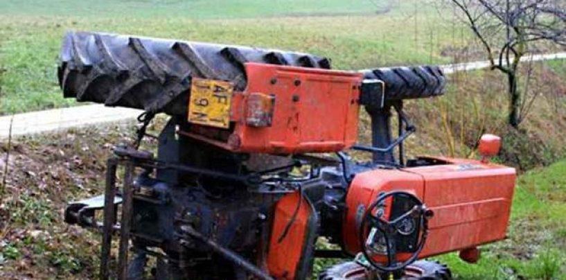 Perde il controllo del trattore e si ribalta, ferito ottantenne