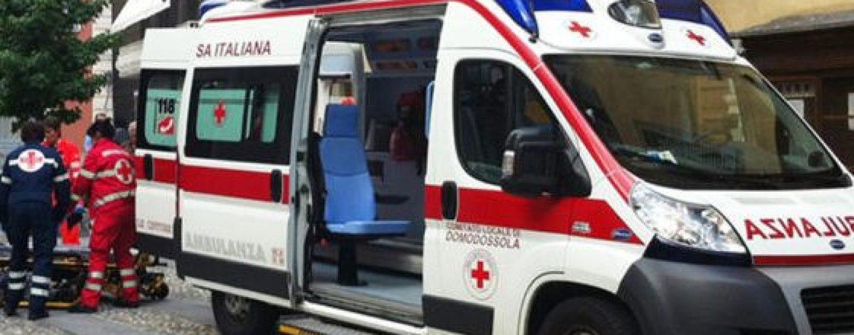 Colpito alla testa da una grondaia, 80enne in prognosi riservata