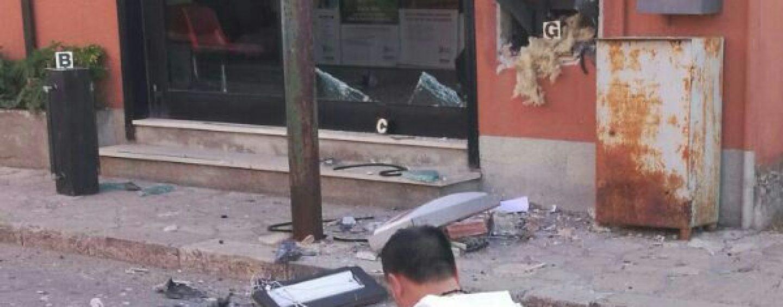 Assalto al Bancomat con esplosivo, notte di paura a Bisaccia