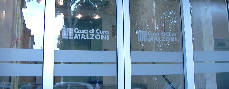 """""""Benvenuto Andrea"""". La clinica Malzoni festeggia il piccolo nato dieci minuti dopo mezzanotte"""