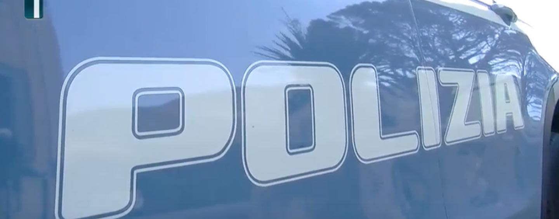 Avellino, cade in casa ma non riesce ad allertare i soccorsi: una volante della polizia la sua salvezza