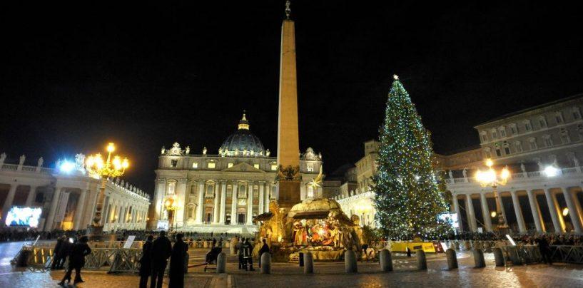 """Da Piazza San Pietro a viale San Modestino, """"Il presepe del Papa"""" arriva a Mercogliano"""