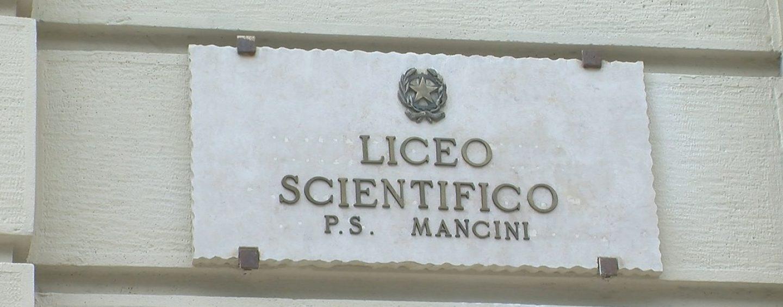 """""""P.S. Mancini"""", anche da chiuso il liceo resta tra le eccellenze d'Italia"""