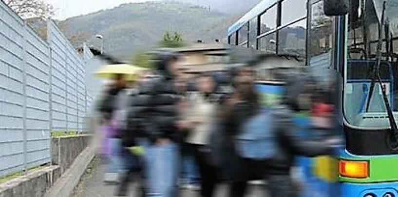 Due autobus irregolari, stop a due gite scolastiche