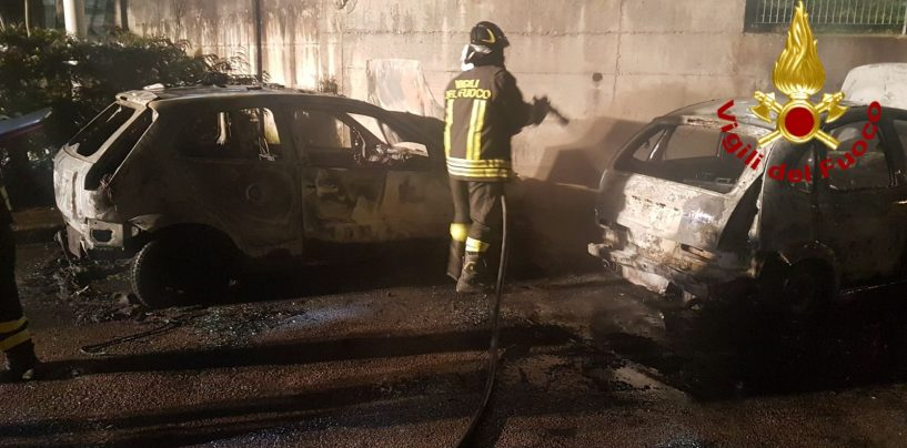 Auto in fiamme a Teora, provvidenziale intervento dei caschi rossi