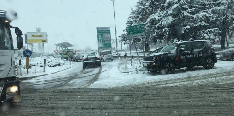 Trappola di ghiaccio sulle strade irpine: riaperta l'A16