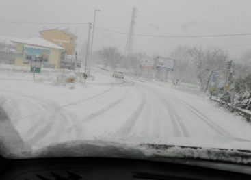 Bufera di neve sull'Irpinia, disagi alla viabilità, le foto
