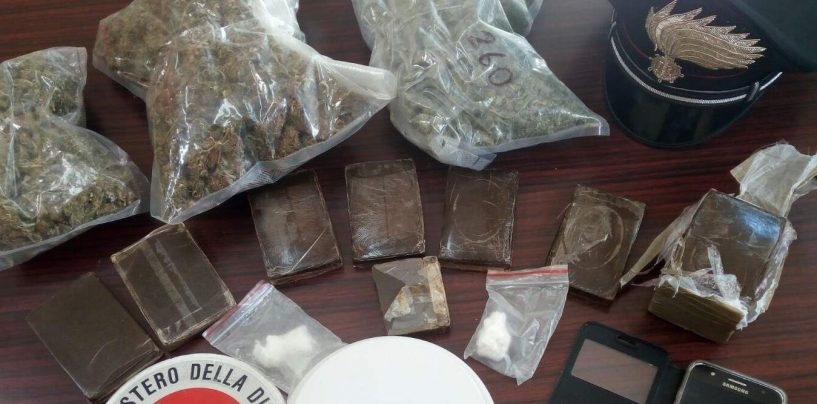 Nascondeva hashish, marijuana e cocaina in casa e in auto: arrestato
