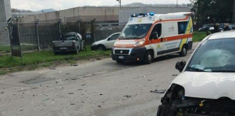 Scontro frontale a Pianodardine, due feriti gravi al Moscati